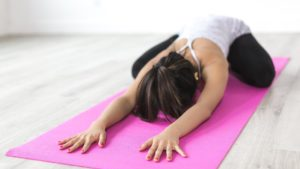 体の硬さを改善したり、パフォーマンスを上げるには、そもそも何をすればいいの?